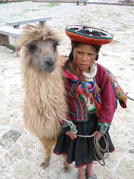 450px-A_Quechua_girl_and_her_Llama