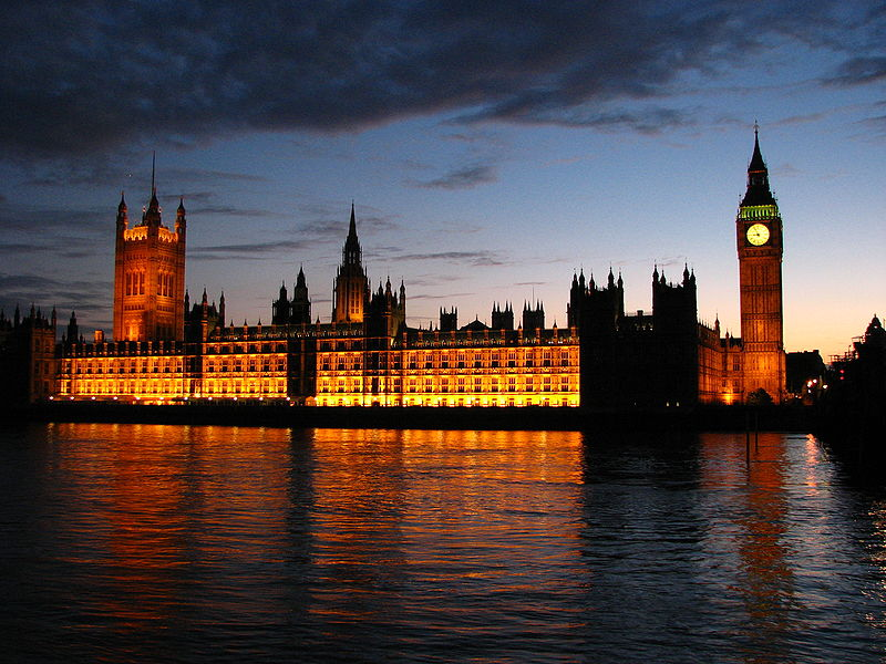 800px-Palace_of_Westminster_at_sunset