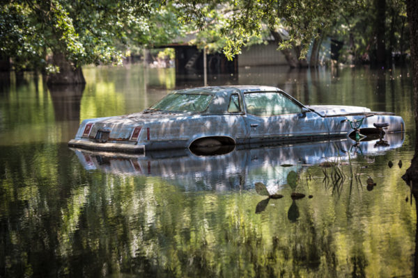 floods_car